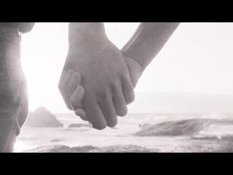 Kelsea Ballerini - needy (ballerini album version) [Official Lyric Video]