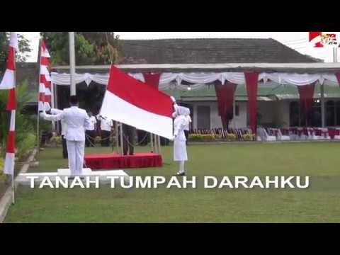 Indonesia Raya dengan teks