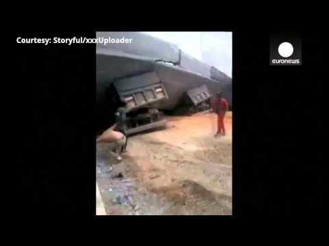Moments after deadly bridge collapse in Belo Horizonte, Brazil - amateur video