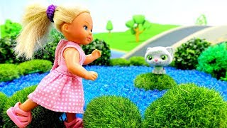 Видео для девочек - У Штеффи сбежал котенок! - Играем в куклы