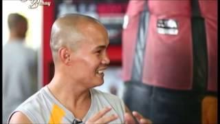 Boxer Onyok Velasco takes on the 'Tunay na Buhay' pick-up line challenge! | Tunay na Buhay
