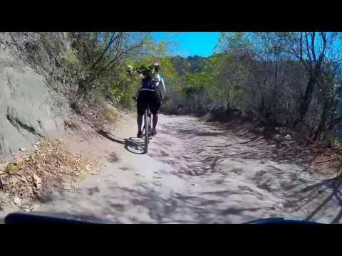 Bajando El Paso del Mango (Santa Marta - Magdalena)