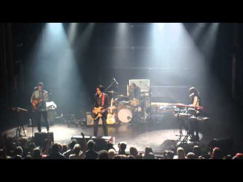 2011-10-07 Twin Shadow (9).MP4