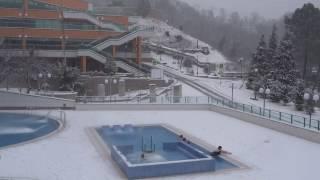 Бассейн, сугробы в Дагомысе, экзотика в январе! Зима в Сочи, Лазаревском,(Всё про Лазаревское, подпишись - https://goo.gl/pILmLj Середина зимы, в Сочи тоже выпал снег. А в ОК