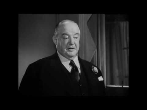 Three Strangers 1946, Geraldine Fitzgerald , Peter Lorre, Sydney Greenstreet. scene 1