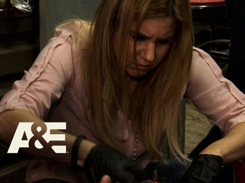 Storage Wars: Brandi's Voodoo Locker (Season 5, Episode 5) | A&E