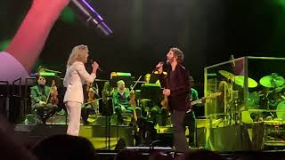 "Josh Groban featuring Jennifer Nettles, ""99 Years,"" Live at MSG, 18 November 2018"