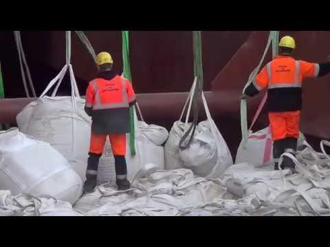 unloading CALUMEX big-bags bulk panamax vessel