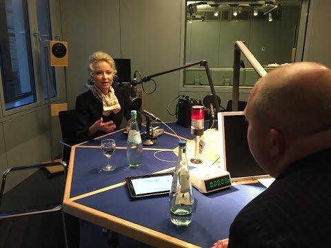 Jörg Thadeusz: Interview mit Finanzexpertin und Sandra Navidi mit privaten Einblicken.