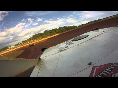 boyds Speedway Hot Laps me running steel head with a Sportsman car