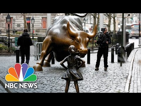 'Fearless Girl' Statue Faces Off Against Wall Street Bull | NBC News