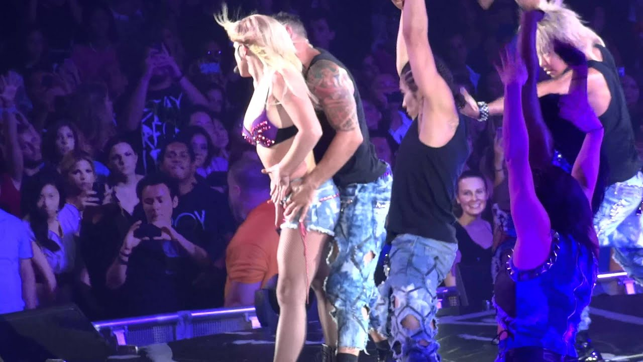 Britney Spears - Femme Fatale Tour (1080p Baby One More Time + S&M + Trouble For Me)