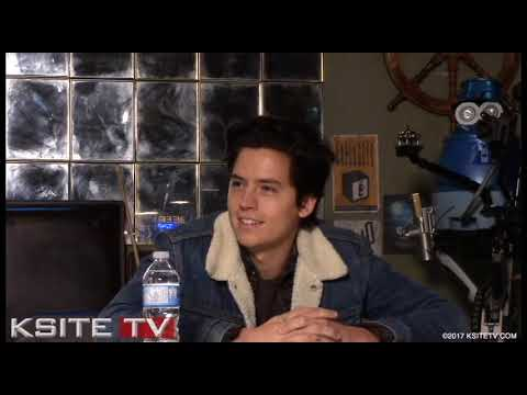 """Cole Sprouse On """"Bughead"""" Troubles 