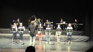 """2011(5) 5-Concert de Nadal. """"Les Dotze van Tocant"""", Corda i Pop-Rock. Teatre Joventut."""