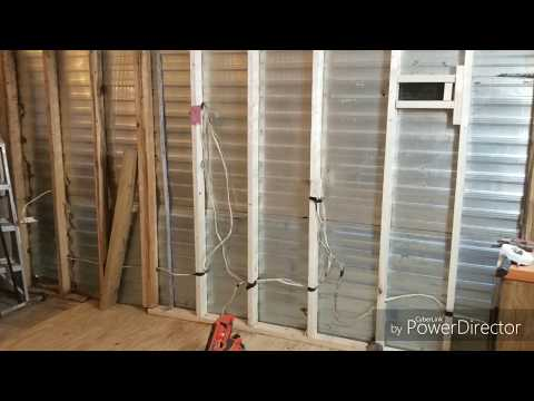 Do Older Single Wide Mobile Homes Have 2x4 Walls? EP.12