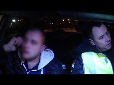 В Волжском нетрезвый водитель совершил ДТП, скрываясь от экипажа ГАИ