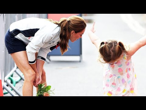 Kate Middleton's Tiny Fan Gives Her the Ultimate Bow!