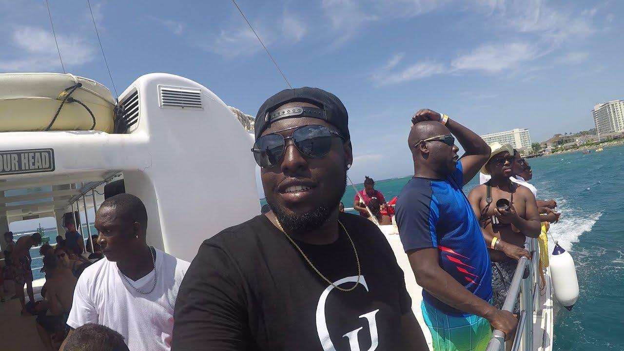 CRAZY PARTY BOAT IN JAMAICA!! | EXPLORING MONTEGO BAY | VLOG 4