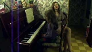 Уроки  фортепиано. Адрианна Урок № 1 24.02.14 Начинаем играть всеми пальцами Гамма До мажор.