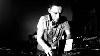 Luke Slater _She Showed Me Heaven (Len Faki Remix) MOTE010EX