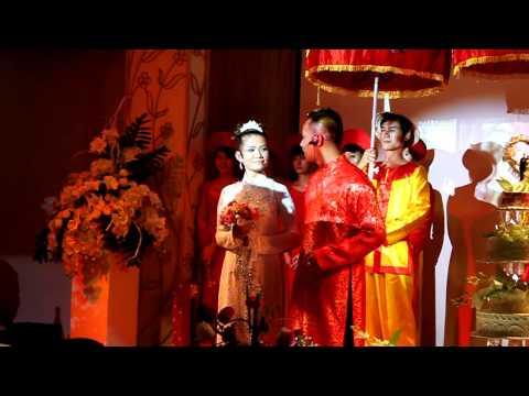 Đám cưới cô dấu chú rể hát rất hay