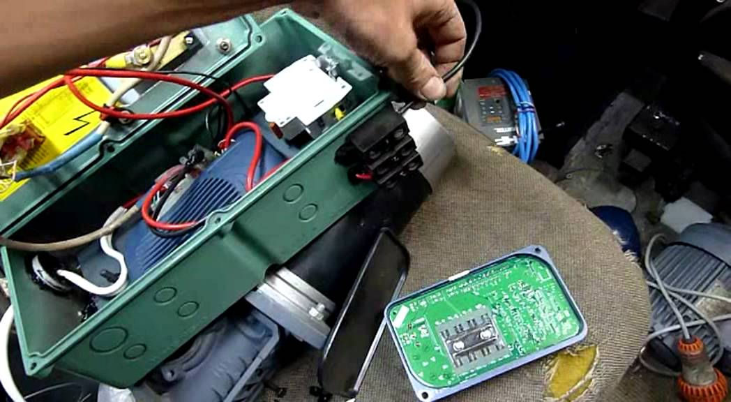 Curtis 1228 DC Speed Control and Motor Testing - YouTube