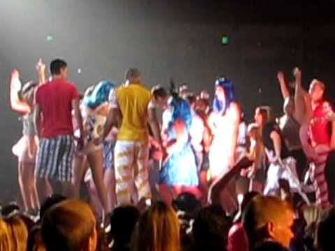 katy perry austin texas july 30,2011 wanna dance with somebody
