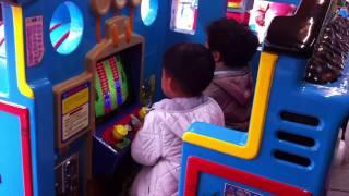 2014.1.18 小啊弟坐湯瑪士小火車-台北市立兒童樂園 (184)
