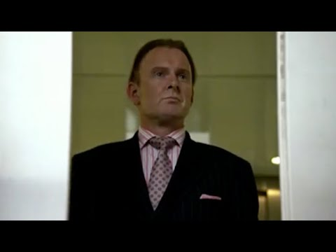 Mickey and Ash's city dealing scam - Hustle - BBC