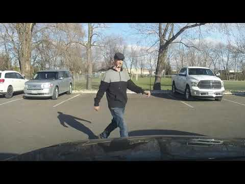 Attempted theft caught on dash cam