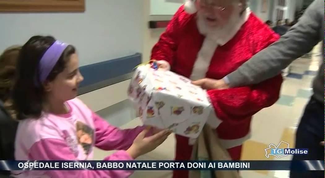 Ospedale Isernia, Babbo Natale porta doni ai bambini - YouTube