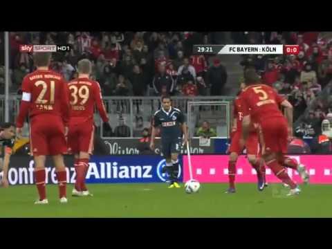 FC Bayern München - FC Köln (Van Buyten Freistoß - Ball platzt)