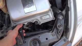 Замена водяной помпы на Toyota Prius(Я долго искал как менять помпу на Priuse с русским описанием, но не находил. Поэтому снял сам, так что смотрите))))., 2013-06-26T09:59:03.000Z)