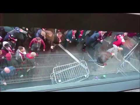 """FC Koln """"fans"""" fighting with police outside The Emirates 