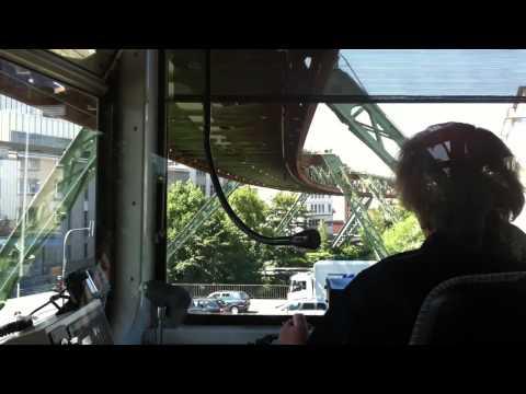 Schwebebahn, el tren colgante de Wuppertal (Alemania) 1