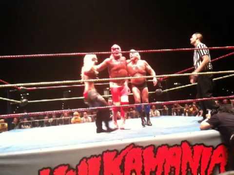 Hulkamania Perth - Hulk Hogan throws Ric Flair, Jimmy Hart pulls down Lacy Von Erich pants