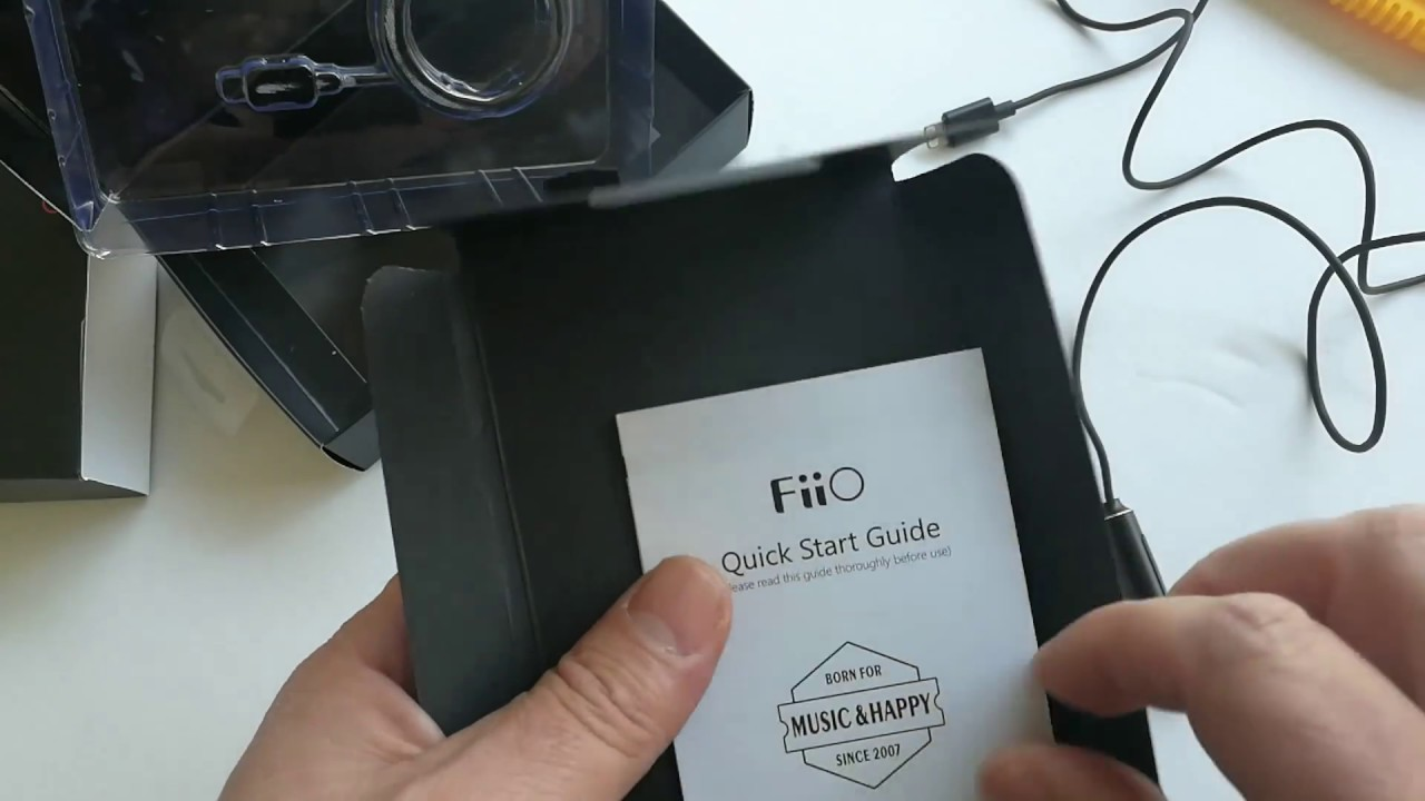 FiiO i1 Lightning DAC and amp for iPhone unboxing