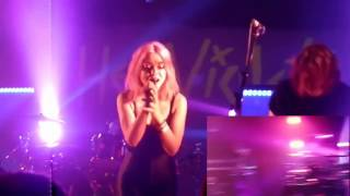 Hey Violet - Brand New Moves, Live is FAKE