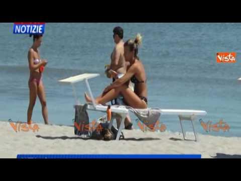 """Spiaggia fascista a Chioggia, i bagnanti: """"Non ci sentiamo offesi"""""""