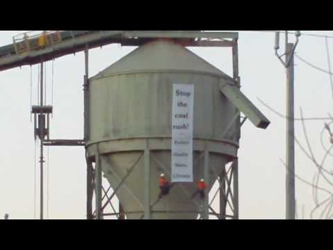 ACTIVISTS SCALE COAL-CRUSHING PLANT AT BOGGABRI  COAL MINE