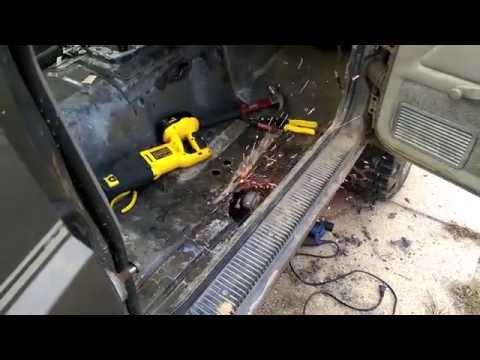 89 Cherokee MIG Welding DIY Passenger Floor Pan Patch