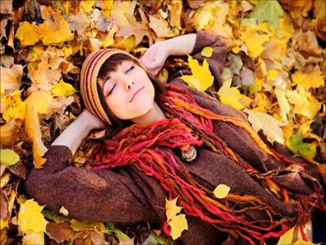 Изображение предпросмотра прочтения – НатальяКомаровецкая читает произведение «Осень.» И.С.Тургенева