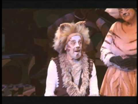 """Sam Younghans as Gus, The Theatre Cat - in """"CATS"""""""