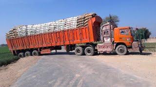 Gambar cover Crazy Overload Trucks Driving in the Working ! Truck Cross Dangerous Steep Road