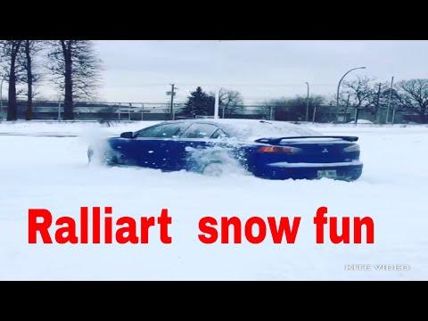 Mitsubishi lancer Evo x ralliart snow drift montreal canada 🇨🇦