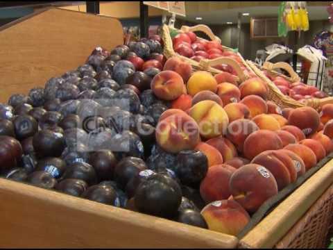 FILE:MEDITERRANEAN DIET LOWERS HEART ATTACK RISK