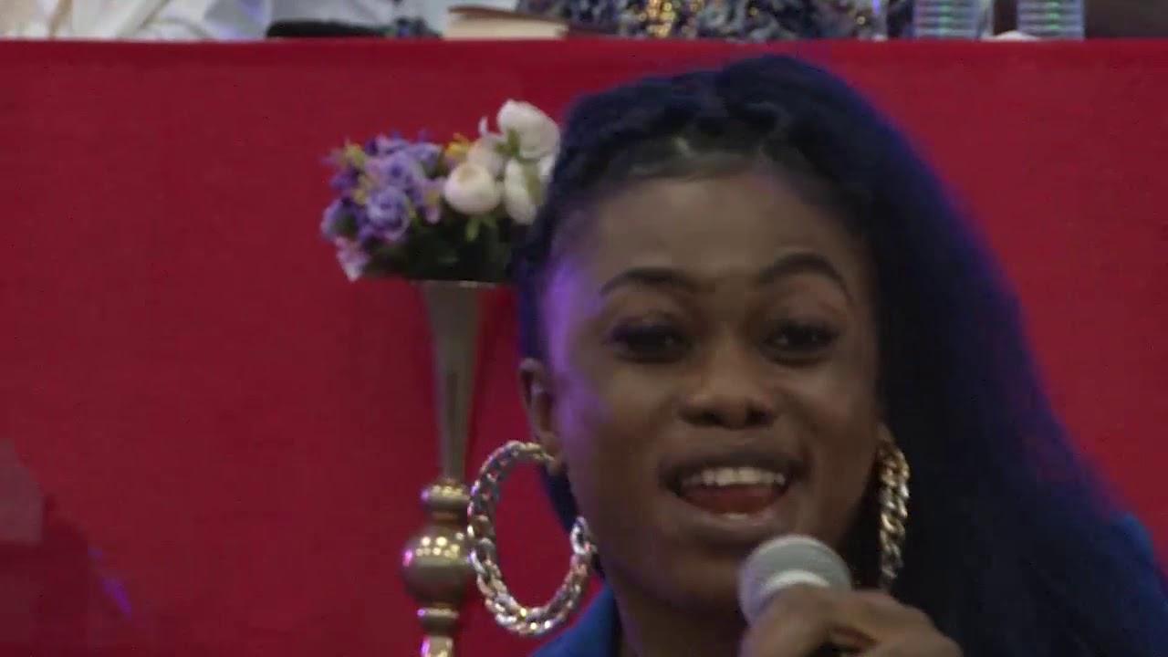 Download Eleesha - Udom Shima (I love you) Live Performance