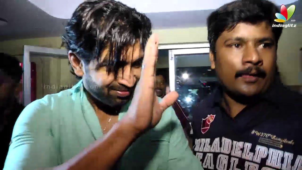 thala ajith fans celebrating yennai arindhaal movie