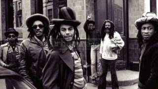 Watch Aswad Oh Jah video