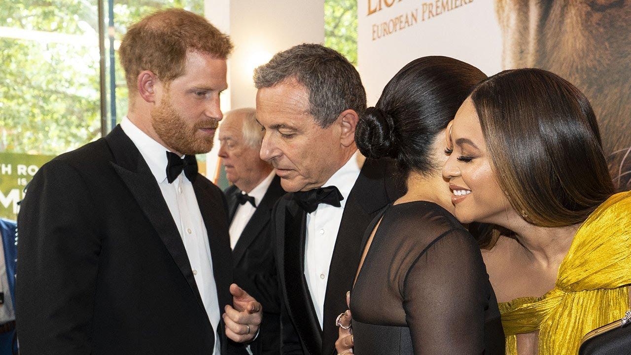 Принцот Хари ѝ бара работа на Меган Маркл